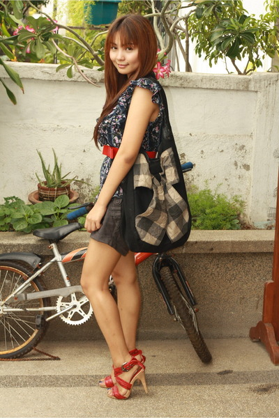 People are People blouse - Promod shorts - Promod accessories
