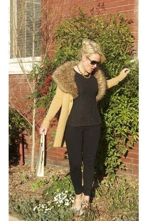 black goldsign jeans - camel faux fur Forever 21 cardigan