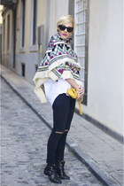 magenta Mercadillo scarf - black Mango boots - black Zara jeans