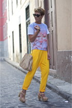 periwinkle Primark t-shirt - neutral Massimo Dutti bag