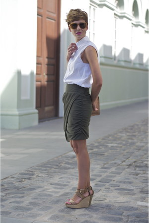 dark green Zara skirt - white Zara shirt - camel Uterque bag