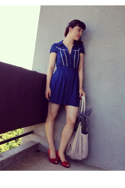 Navy Zara Dresses, Light Blue Accessorize Bags, Red