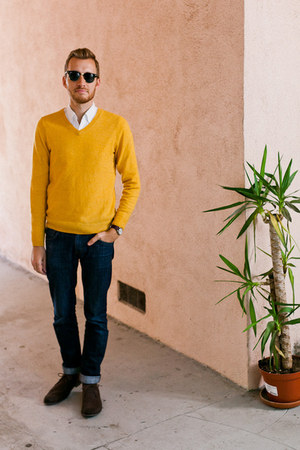 H&M sweater - Doctrine Denim jeans - J Crew shirt - Ray Ban sunglasses