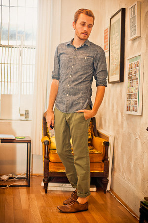 brown street style Bed Stu shoes - blue chambray J Crew shirt - olive green 511