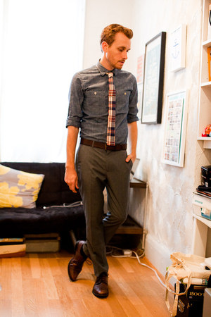 square end J Crew tie - wingtip Alfani shoes - chambray J Crew shirt