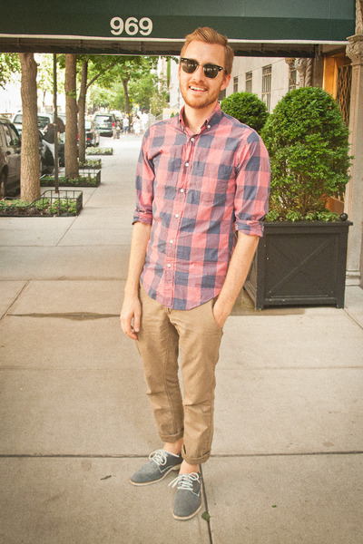 sperry shoes - J Crew shirt - Ray Ban sunglasses - Levis pants