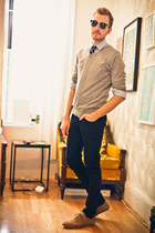 light brown Urban Outfitters shoes - black lip service jeans - heather gray Heri