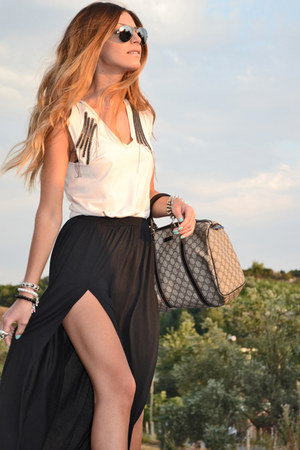 Mango skirt - Ray Ban sunglasses - Zara sandals