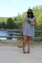 camel vintage bag - black vintage dress - dark green thrfited hat