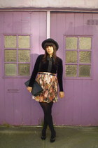 tan Taxi CDC skirt - black vintage shirt - black American Apparel tights - black
