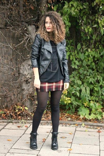 brick red plaid Fashion Union skirt - black Chicwish boots