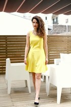 yellow yellow Wal G dress - black Mango heels