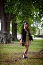 tawny satchel zelorbis bag - cream Vero Moda dress