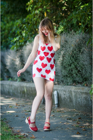 white heart vintage dress - red clogs Lotta from Stockholm clogs