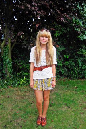 beige Primark jumper - gray Zara skirt - brown Absolute Vintage shoes - brown H&