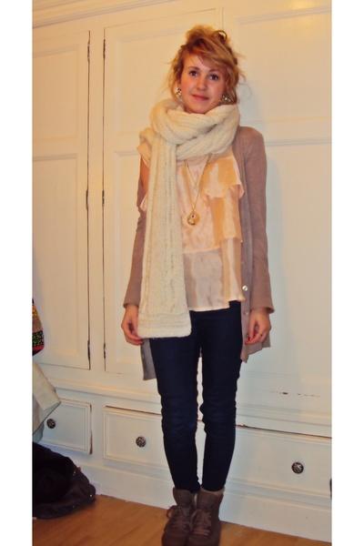 beige Zara cardigan - pink Topshop top - blue Topshop jeans - brown Topshop shoe