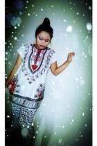 spandex aztec theme shirt - spandex Top Shop leggings - cmsio bag