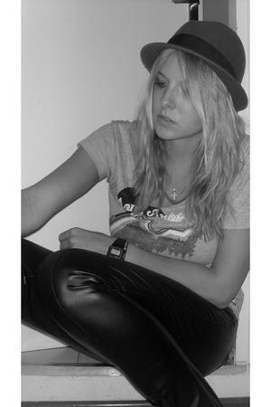 H&M t-shirt - H&M hat - pants