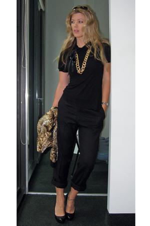 gold vintage added ribbon to lengthen necklace - gold Allison Taylor jacket