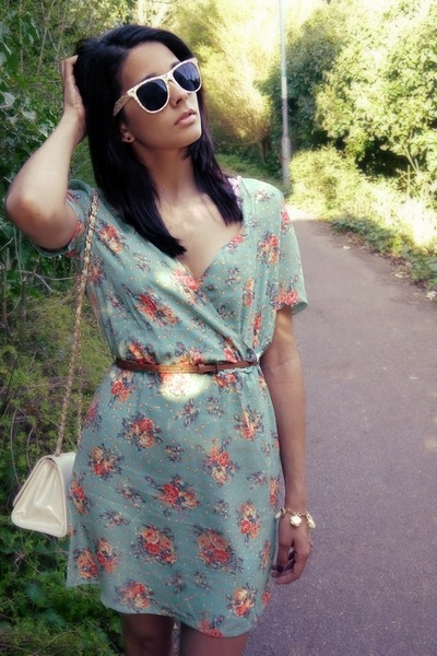 aquamarine Lovestruck dress - eggshell Primark sunglasses