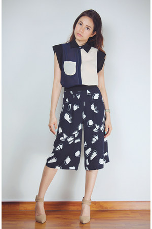 navy color block flea market top - navy River Island pants