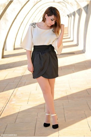Lulus top - BLANCO skirt - sammydress heels