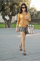Lefties top - BLANCO bag - Dunnes shorts - Carolina Boix heels