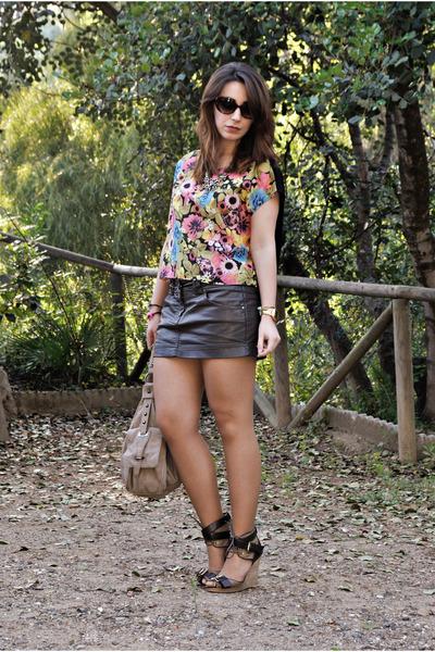 Pull & Bear skirt - Camaïeu bag - Sfera wedges - H&M top