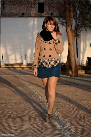 wholesale cardigan - Marypaz boots - clockhouse shirt - Lefties skirt