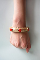 Gold-tone jewels bangle