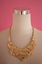 Molded collar necklace