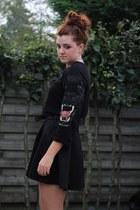black H&M sweater - black H&M skirt - gold vintage belt - gold H&M necklace