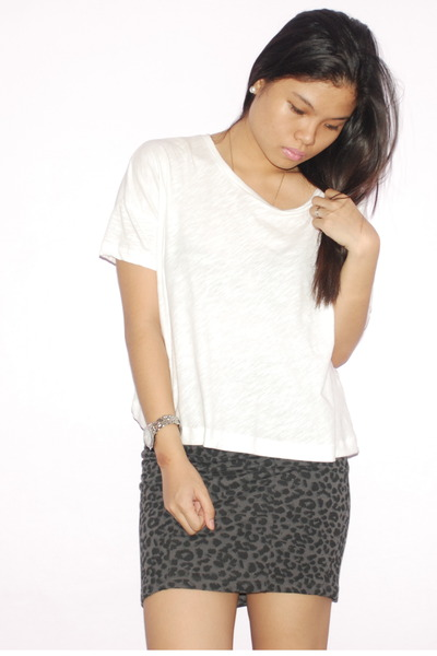 white Oxygen top - gray cotton on skirt