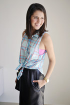 sky blue hollister shirt - black leather skirt