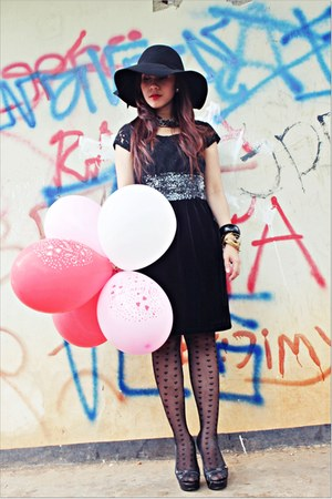black bysi dress - black hat - black Topshop stockings - black accessories