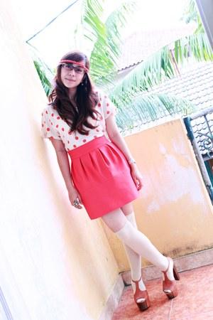 tawny Jessica Simpson heels - beige sox galery socks - beige Zara t-shirt