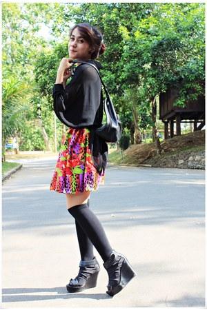 black shoes - black sox gallery socks - black blouse - hot pink DIY skirt