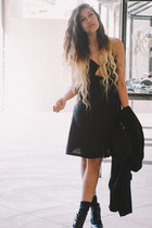 black slip nastygal dress - black asos hat