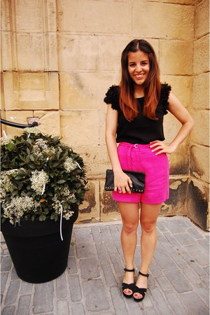 hot pink Good Look shorts - black Good Look shirt - black hakei bag