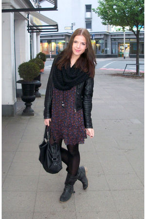 Zara jacket - H&M scarf