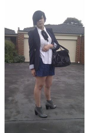 Zara blazer - Country Road bag - high waisted Cue shorts - Deena & Ozzy heels -