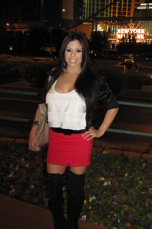 red Macys skirt - black Bakers boots
