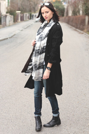 black Topshop coat - white pieces scarf