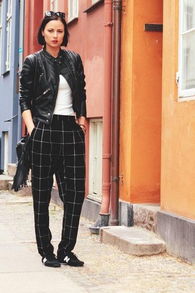 GINA TRICOT jacket - black Monki pants - New Balance sneakers