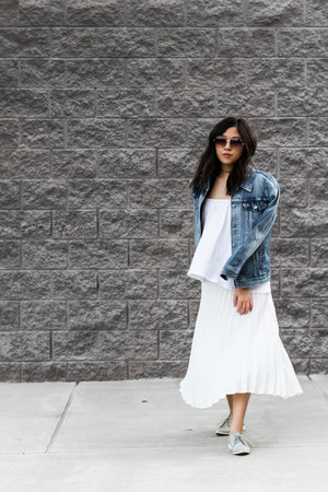 blue denim jacket jacket - heather gray oxfords shoes - ivory pleated skirt