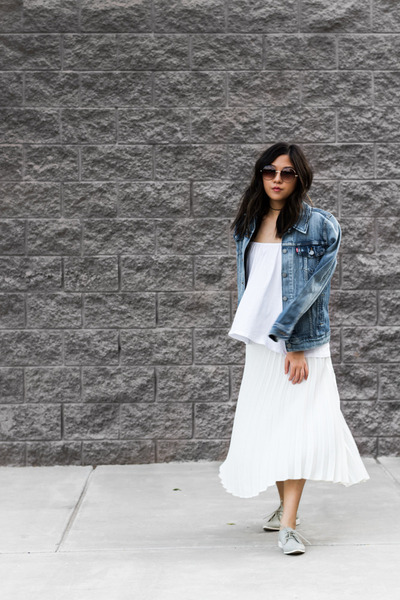 blue denim jacket jacket - heather gray oxfords shoes - ivory pleated skirt