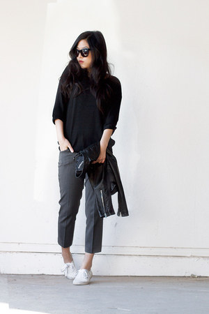 charcoal gray cropped Express pants