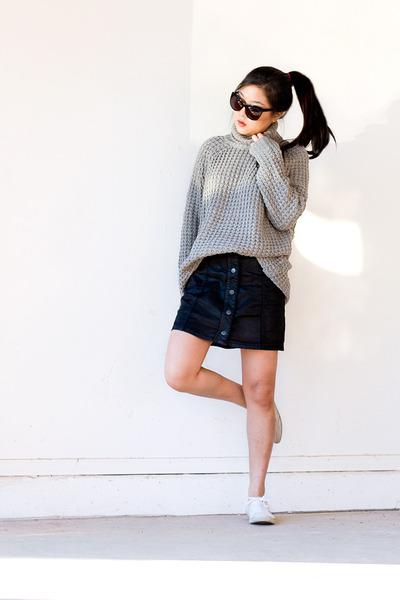 Heather-gray-turtleneck-sweater-black-cat-eye-sunglasses