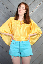Turquoise-blue-vintage-levis-shorts