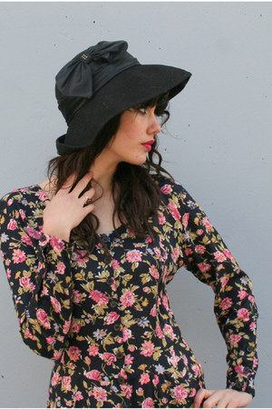 black wide brim vintage miss bierner hat